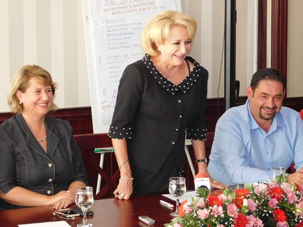 La reuniune a fost prezent şi primarul Slatinei, Emil Moţ