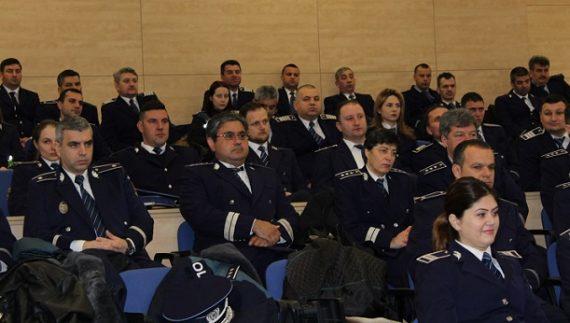 Peste 100 de polițiști din Olt au fost avansați în grad de Ziua Poliției Române | Olt Alert